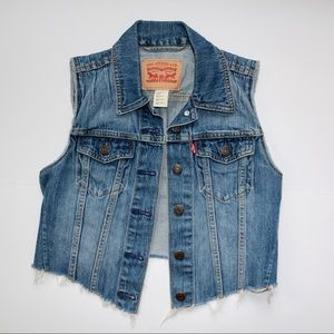 Levi's Cropped Distressed Denim Vest Size Small